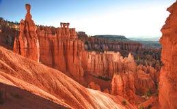 La massa dei Hoodoos alla sosta nazionale del canyon di Bryce Fotografie Stock