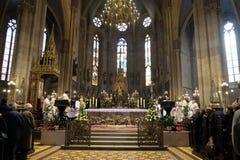 La masse de Pâques dans la cathédrale de Zagreb Photo libre de droits