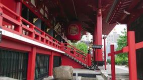 La mayoría del templo famoso en Tokio - el templo de Senso-Ji en Asakusa almacen de video