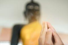 La mayor parte de la gente tailandesa es budista Foto de archivo libre de regalías