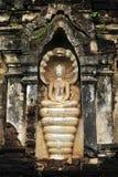 La meditazione di Buddha ha diretto la diffusione del serpente per coprire Lord Bu Fotografia Stock