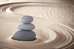 La meditazione di zen della stazione termale lapida il fondo Fotografia Stock Libera da Diritti