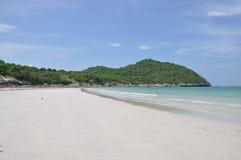La mer à l'île de Sri Chang, Thaïlande Photographie stock libre de droits