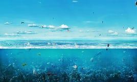La mer complètement des déchets sur le CCB images libres de droits