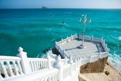 La mer Méditerranée de del Mediterraneo de balcon de Benidorm Photographie stock libre de droits