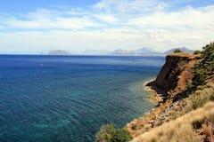 La mer Méditerranée et côte, Palerme Photographie stock libre de droits