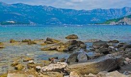 La mer, montagnes, Monténégro Photos libres de droits