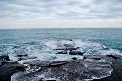 La Mer Noire à Yalta photo libre de droits