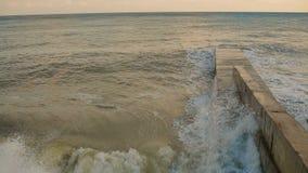 La mer ondule le roulement sur Pierce banque de vidéos