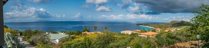 La mer regarde des vues du Curaçao images stock