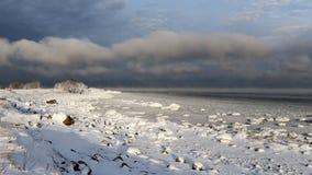 La mer s'évapore dans le froid Image libre de droits