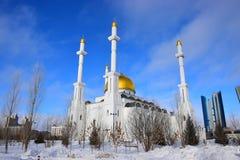 La mezquita de NUR ASTANÁ en Astaná/Kazajistán Fotos de archivo
