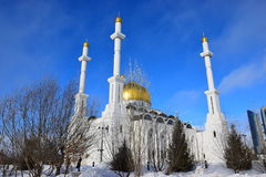 La mezquita de NUR ASTANÁ en Astaná/Kazajistán Imagenes de archivo