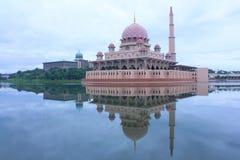 La mezquita de Putra Foto de archivo libre de regalías