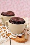 Gâteaux de tasse de chocolat Images libres de droits