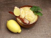 La miel, el jengibre y el limón Imágenes de archivo libres de regalías