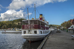 La milliseconde Henrik Ibsen s'est accouplée au port de Halden Photo libre de droits