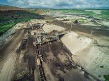La mina marca con hoyos la visión aérea Imagen de archivo