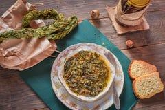 La minestra dell'acetosa, Braided ha asciugato le foglie dell'acetosa fotografia stock