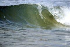 La miniature ondule des tubes à la plage Image libre de droits