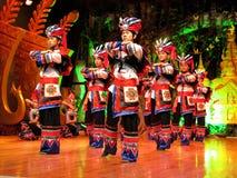 La minoranza equipaggia in Yunnan Colourful Fotografia Stock