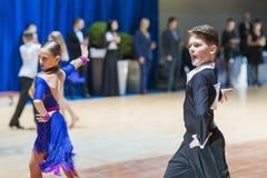 La Minsk-Bielorussia, il 19 ottobre 2014: Coppie non identificate Perfo di ballo Fotografia Stock