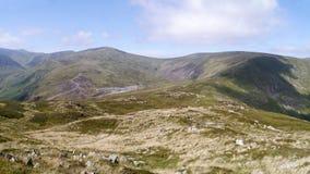 La mirada abajo a la explotación minera Greenside de la ventaja inclina cerca de Glenridding Foto de archivo