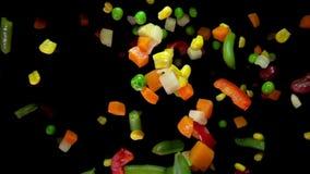 La miscela delle verdure rimbalza sulla macchina fotografica video d archivio