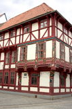 La mitad enmaderó ciudad-Göttingen fachada-III-histórica Fotos de archivo