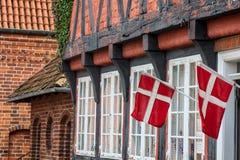La mitad enmaderó la casa tradicional en el ribe Dinamarca Imagen de archivo libre de regalías
