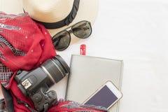 La mode de fond de la femme préparent le voyage Photographie stock libre de droits