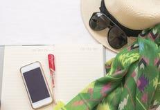 La mode de fond de la femme préparent le voyage Image libre de droits