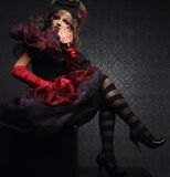 La mode a tiré de la femme dans le type de poupée Images libres de droits