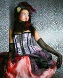 La mode a tiré de la femme dans le type de poupée Renivellement créateur Photos libres de droits