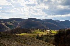 La molla sta venendo alle montagne Fotografie Stock