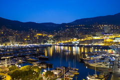 La Monaco alla notte Immagini Stock