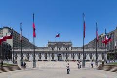La Moneda宫殿在圣地亚哥de智利 图库摄影