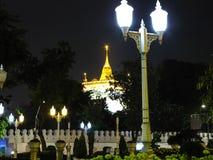 La montaña de oro en el saket de Wat, Tailandia Imagenes de archivo