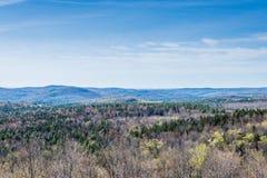 La montaña del Hogback escénica pasa por alto en parque de estado verde de la montaña adentro fotos de archivo