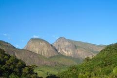 La montaña lisa oscila, parque nacional de Tres Picos, el Brasil Imagen de archivo libre de regalías