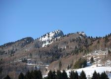 La montaña llamó a SPITZ con nieve en Italia septentrional imagenes de archivo