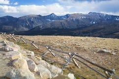 La montaña rocosa pasa por alto Imágenes de archivo libres de regalías