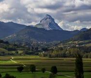 La montaña sola Fotos de archivo libres de regalías