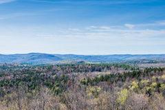 La montagna del Hogback scenica trascura nel parco di stato verde della montagna dentro fotografie stock