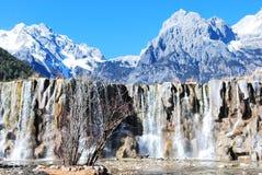 La montagna della neve del drago della giada Immagini Stock