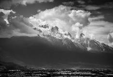 La montagna della neve del drago della giada Immagine Stock
