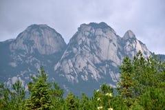 La montagna di Tianzhu ha caratterizzato la fisiognomica, la provincia di Anhui, Cina fotografia stock