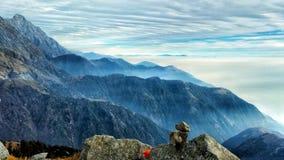 La montagna e la valle Fotografie Stock Libere da Diritti