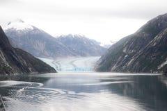 La montagna ed il ghiacciaio nell'Alaska Fotografie Stock