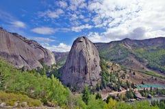 La montagna gradisce gli orologi del tempio fotografie stock libere da diritti